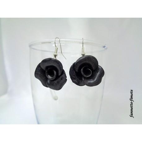 """Boucles d'oreilles Fimo Fleur """"Rose"""" Noir"""