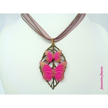 "Collier Fimo ""Papillons"" Rose + Estampe Feuille Bronze"