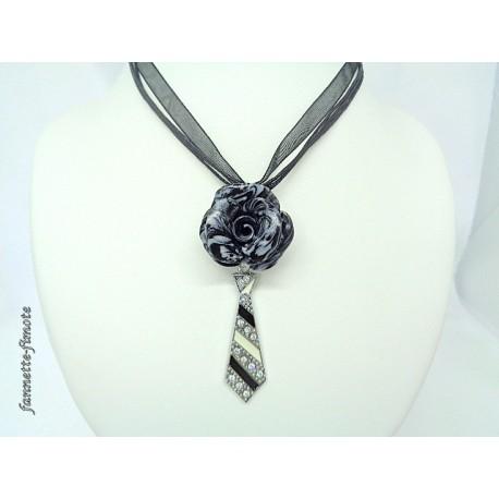 """Collier Fimo """"Rose"""" Noir/Blanc + Cravate"""
