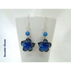 Boucles d'oreilles Fimo Fleur de Tiaré Bleu et Noir