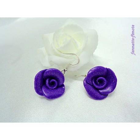 """Boucles d'oreilles Fimo Fleur """"Rose"""" Violette pailletée"""